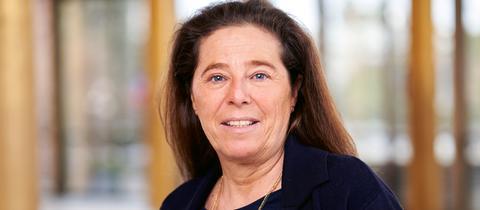 Dr. Yasmin Alinaghi