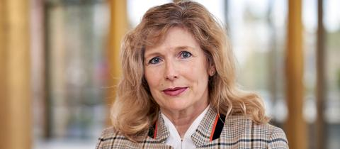 Dr. Karin Hahne